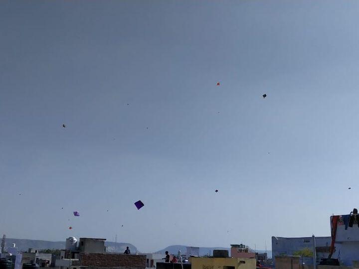 सबसे बड़ी राहत की बात यह कि करीब 39 लाख की आबादी वाले जयपुर शहर में नए साल में 13 जनवरी को महज 72 कोरोना संक्रमित केस सामने आए। - Dainik Bhaskar
