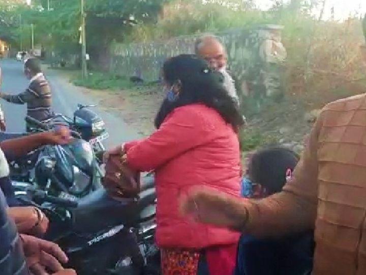 अंबामाता थाना इलाके में दंपत्ति से हुई चाकू की नोक पर लूट की कोशिश। - Dainik Bhaskar