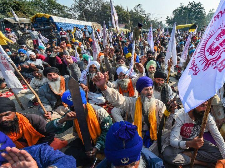 किसानों को सिंघु बॉर्डर पर आंदोलन करते 50 दिन से ज्यादा हो गए हैं। वे कृषि संबंधी तीन कानूनों को वापस लेने की मांग पर अड़े हैं। -फाइल फोटो - Dainik Bhaskar