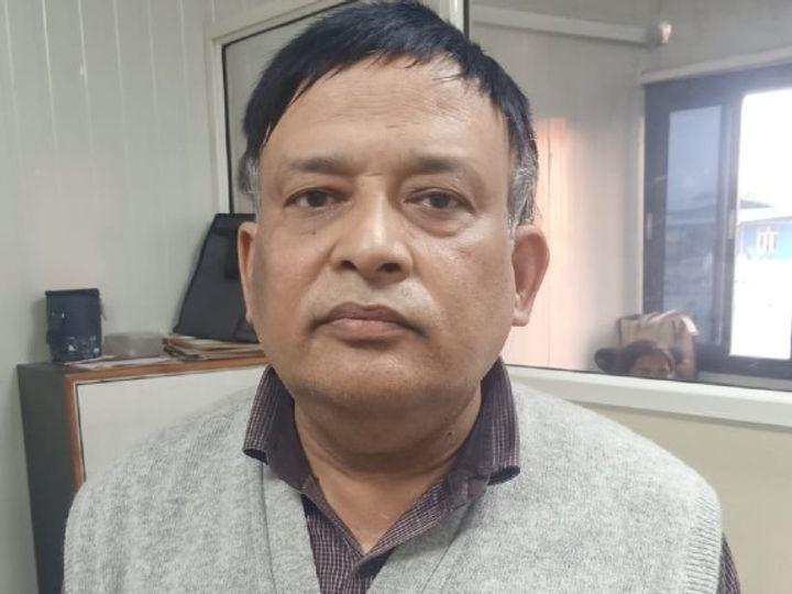 PCPNDT की कार्यवाही के बाद गिरफ्तार किया डॉक्टर नवीन शर्मा। - Dainik Bhaskar