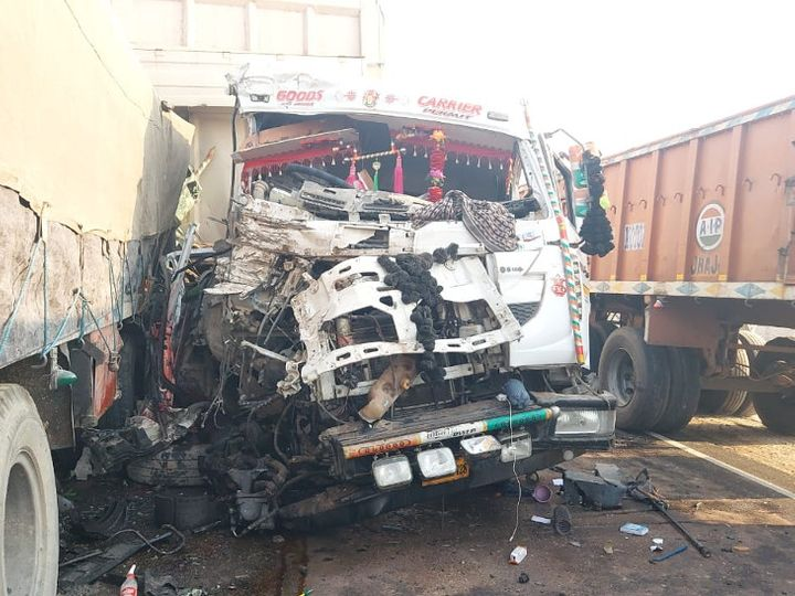 40 मिनट तक शव केबिन में ही फंसे रहे, दोनों ट्रोलों के ड्राइवरों की मौत; एक घायल..|