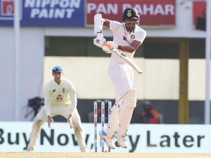 वॉशिंगटन सुंदर 33 और रविचंद्रन अश्विन 8 रन बनाकर नॉटआउट हैं। - Dainik Bhaskar