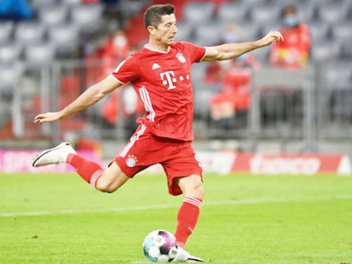 लेवानदॉस्की बायर्न म्यूनिख क्लब से 275+ गोल करने वाले सिर्फ दूसरे खिलाड़ी हैं। (फाइल फोटो) - Dainik Bhaskar