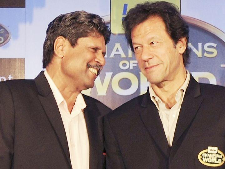 दो वर्ल्ड कप विजेता कप्तान एकसाथ। कपिल देव (बाएं) की कप्तानी में भारत ने 1983 वनडे वर्ल्ड कप जीता था। वहीं, इमरान खान (दाएं) की कप्तानी में पाकिस्तान ने 1992 वनडे वर्ल्ड कप जीता था। (फाइल फोटो) - Dainik Bhaskar