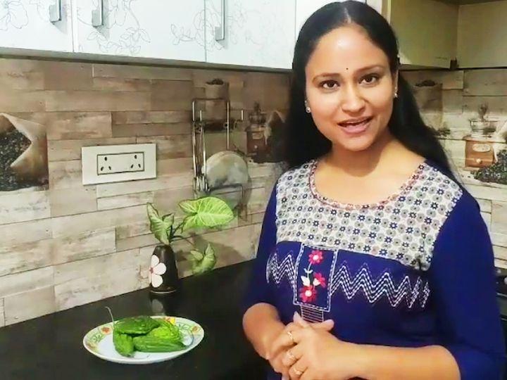 याचना बंसल दिल्ली के एक प्राइवेट स्कूल में टीचर हैं, साल 2018 में उन्होंने घर से ही अचार बनाने की शुरुआत की थी। - Dainik Bhaskar