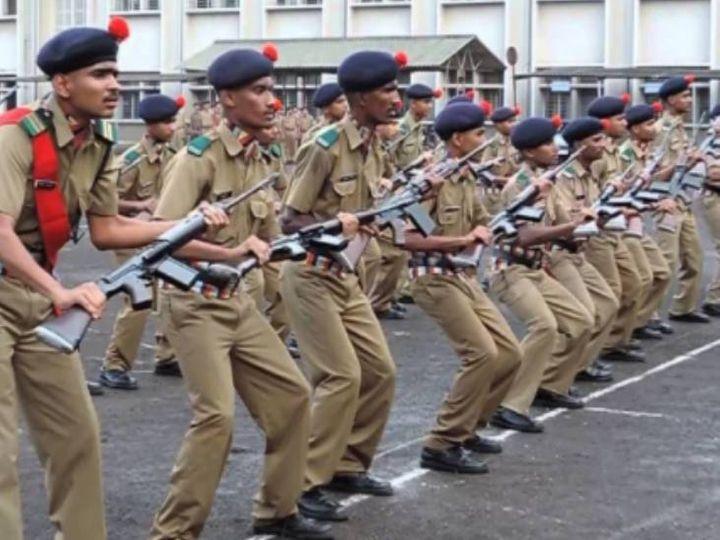 UPमें रक्षा मंत्रालय द्वारा तीन सैनिक स्कूलों का संचालन अमेठी, झांसी, मैनपुरी में किया जा रहा है, जबकि बागपत में सैनिक स्कूल का निर्माण प्रस्तावित है। - Dainik Bhaskar