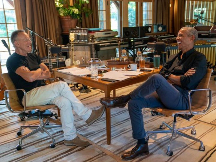 Barack Obama with Bruce Springsteen during a podcast on Tuesday.  During this time, Obama admitted that he had also become a victim of racism during school days.  - Dainik Bhaskar