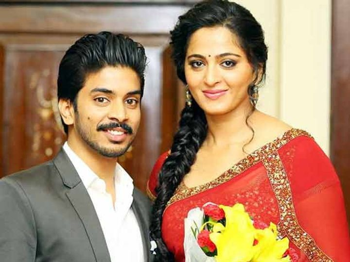 अभिनेत्री अनुष्का शेट्टीसोबत केशव.... - Divya Marathi