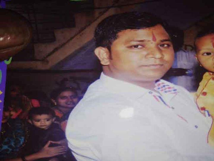 कल्याणी फोर्ज कंपनीचे अकाऊंटंट निलेश गायकवाड. - Divya Marathi