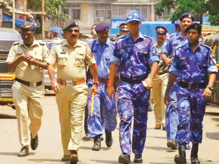 मुंबईच्या अनेक भागात सुरक्षा वाढविण्यात आली आहे - प्रतीकात्मक फोटो - Divya Marathi