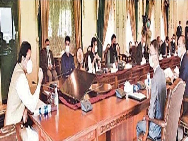 इस्लामाबाद : पंतप्रधान इम्रान यांनी चिनी कंपन्यांच्या प्रतिनिधींसोबत बैठक घेतली. - Divya Marathi