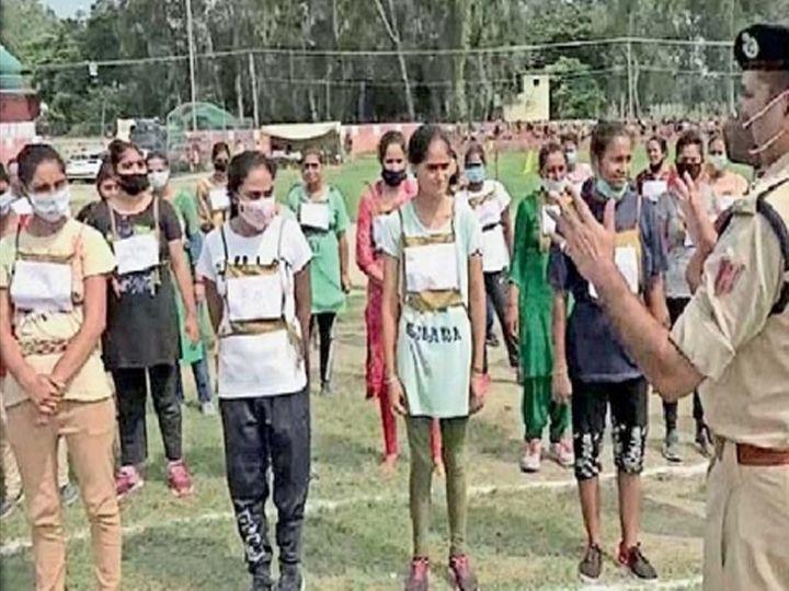 विशेष पोलिस अधिकाऱ्यांच्या भरतीत महिलांची संख्या मोठी होती. - Divya Marathi