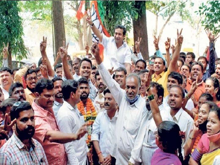 सिंधुदुर्गात भरघोस यश मिळाल्यानंतर जल्लोष करताना आमदार नितेश राणे - Divya Marathi