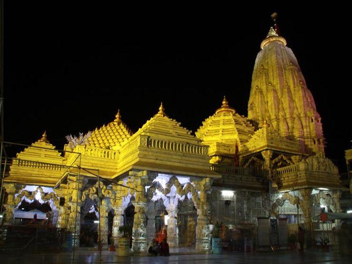 અંબાજી મંદિરની ફાઇલ તસવીર. - Divya Bhaskar