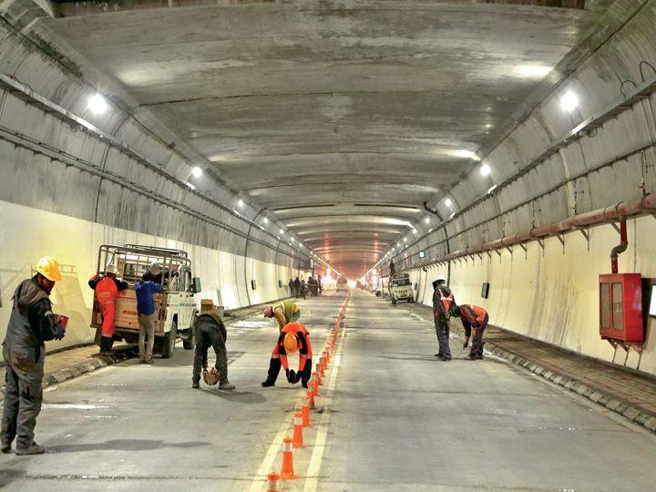 આ ટનલ બનાવવામાં 2,958 કરોડ રૂપિયાનો ખર્ચ થયો છે. - Divya Bhaskar