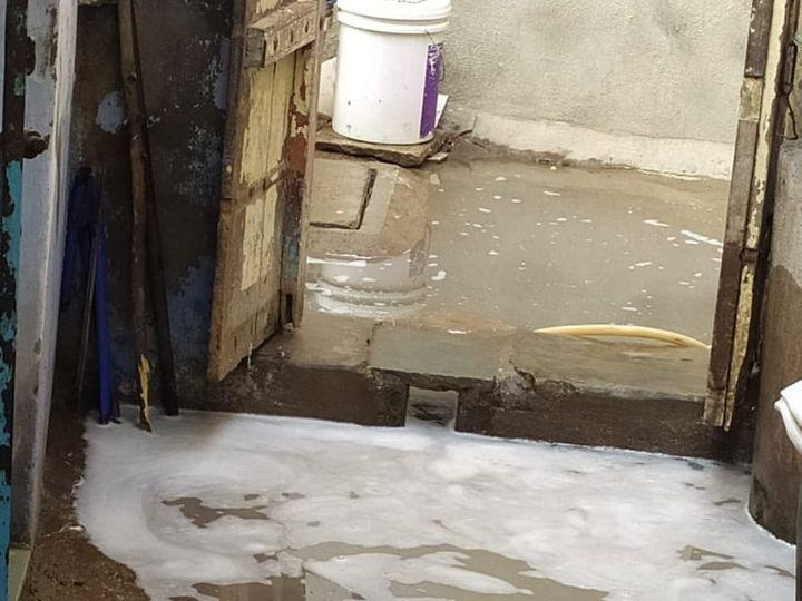 ઉભરાતા ગટરના પાણી - Divya Bhaskar