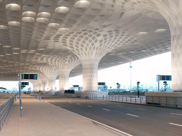 મુંબઈ એરપોર્ટના ટર્મિનલ-2 - Divya Bhaskar