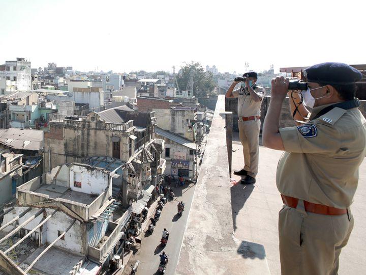 પોલીસની બાજ નજર. - Divya Bhaskar
