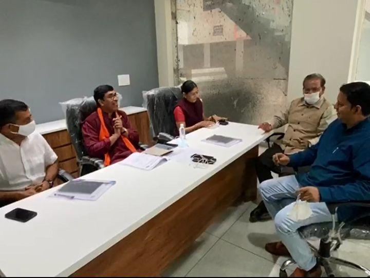 વડોદરા મહાનગરપાલિકાની ચૂંટણી માટે ભાજપ દ્વારા સે્ન્સ લેવાની પ્રક્રિયા શરૂ કરાઇ - Divya Bhaskar