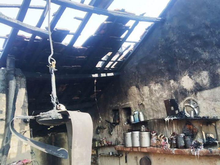 આગ લાગી ત્યારે ઘરમાં કોઇ હાજર ન હતા એટલે સદ્દનશીબે દુર્ઘટના ટળી હતી. - Divya Bhaskar