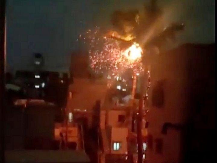 વીજળી પડતા નારિયેળીમાં આગ લાગી - Divya Bhaskar