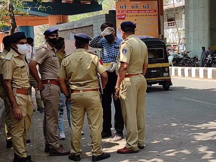 પોલીસ દ્વારા ઘટના સ્થળે તપાસ હાથ ધરવામાં આવી હતી.