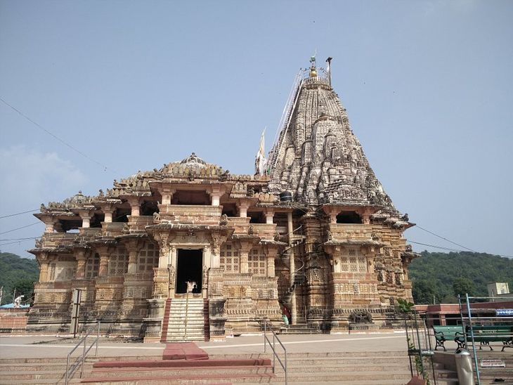 શામળાજી મંદિર પણ છેલ્લા ઘણા સમયથી બંધ છે
