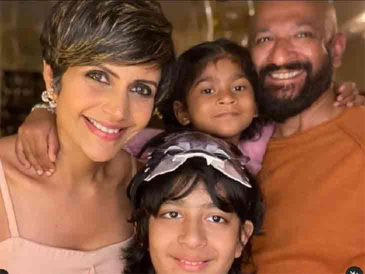 बच्चों के साथ राज-मंदिर