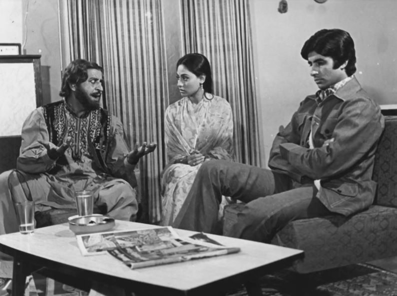'जंजीर' की शूटिंग के दौरान प्राण, जया और अमिताभ।