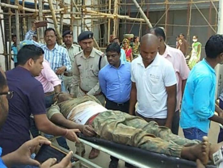 पुलिस और नक्सली मुठभेड़ में दो जवान शहीद, दूरदर्शन की टीम फंसी रायपुर,Raipur - Dainik Bhaskar