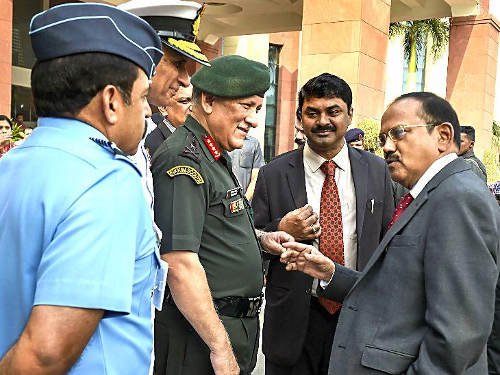 डोभाल ने कहा- तकनीक में भारत की स्थिति दुखद रही, आर्मी चीफ बोले- अगली जंग स्वदेशी हथियारों से जीतेंगे|देश,National - Dainik Bhaskar