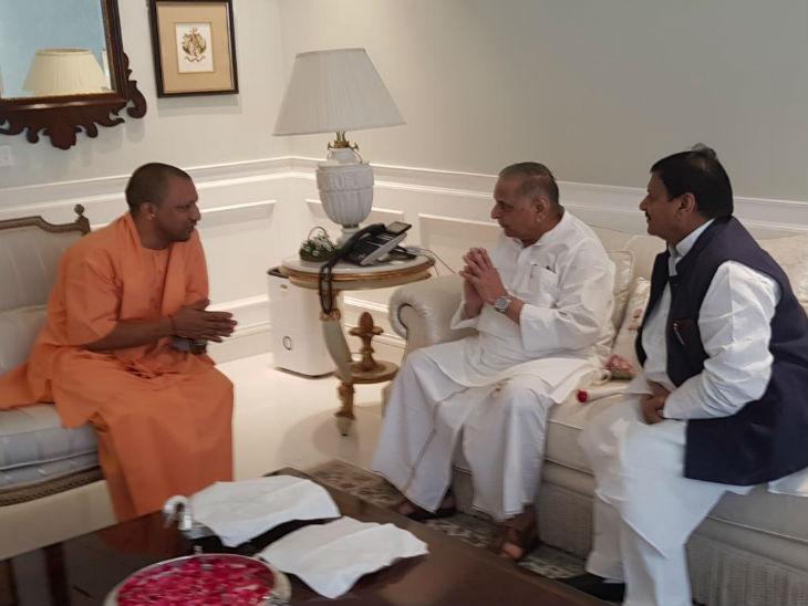 मुलायम से मिलने पहुंचे मुख्यमंत्री योगी, शिवपाल यादव ने स्वागत किया, कल्याण सिंह से भी मिले|लखनऊ,Lucknow - Dainik Bhaskar