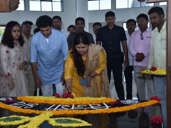 भाजपा किसी एक की नहीं, मैं इसे नहीं छोड़ रही; पार्टी निर्णय लेने के लिए स्वतंत्र: पंकजा मुंडे  - Dainik Bhaskar