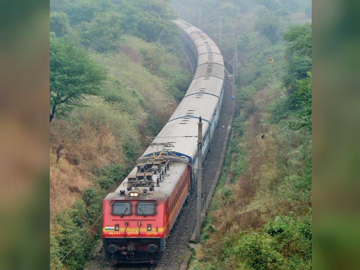 मुंबई के लिए दो स्पेशल ट्रेन, नियमित ट्रेनों से 15 फीसदी तक ज्यादा किराया|जयपुर,Jaipur - Dainik Bhaskar