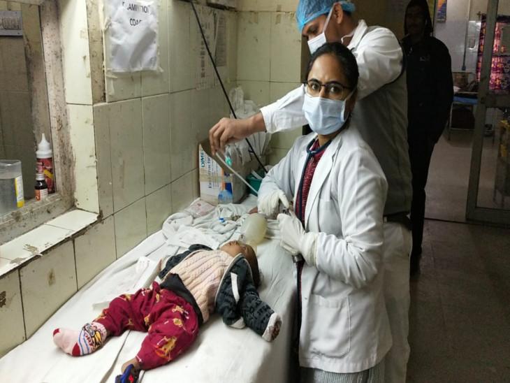 एक थी टीना: जहां 5 महीने की बच्ची को ऑक्सीजन दी जा रही थी, वहीं मंत्री के लिए रंगाई-पुताई चल रही थी जयपुर,Jaipur - Dainik Bhaskar