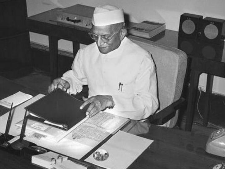 मोरारजी देसाई ने सबसे ज्यादा 10 बार बजट पेश किया है।