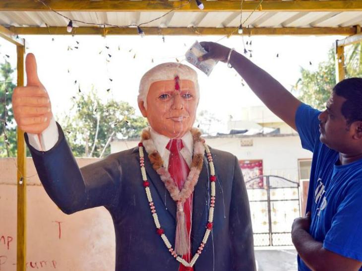 डोनाल्ड ट्रम्प से मिलना चाहता है उनका फैन; चार साल से पूजा कर रहा, मूर्ति भी बनवाई देश,National - Dainik Bhaskar