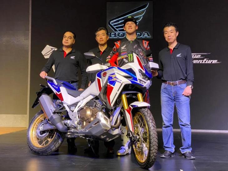 Honda launches CRF1100L Africa Twin, will get 1084cc engine and touchscreen instrument cluster | होंडा ने CRF1100L अफ्रीका ट्विन लॉन्च की, 1084cc का इंजन और टचस्क्रीन इंस्ट्रूमेंट क्लस्टर मिलेगा