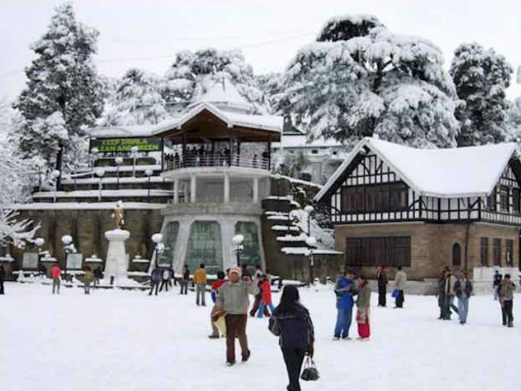 शिमला, कुफरी और मनाली में शुक्रवार रात से शनिवार दोपहर तक भारी बारिश और बर्फबारी हुई। - Dainik Bhaskar