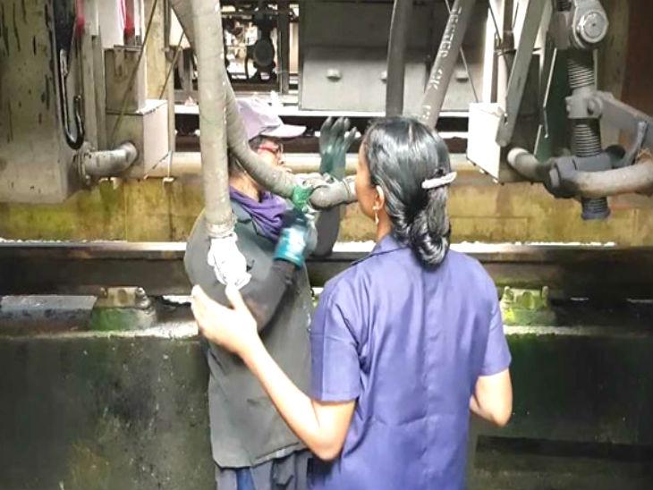 तिरुवनंतपुरम के रेल्वे स्टेशन पर ट्रेनों के मेंटेनेंस का काम देखती है महिला कर्मचारियों की टीम|देश,National - Dainik Bhaskar