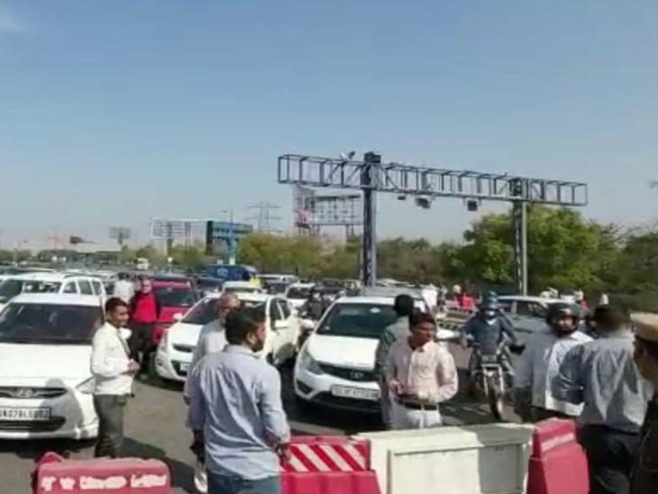 दिल्ली-यूपी बार्डर पर वाहनों की लगी कतार; मेरठ में पसरा सन्नाटा, ज्यादातर मेडिकल स्टोर भी बंद|मेरठ,Meerut - Dainik Bhaskar