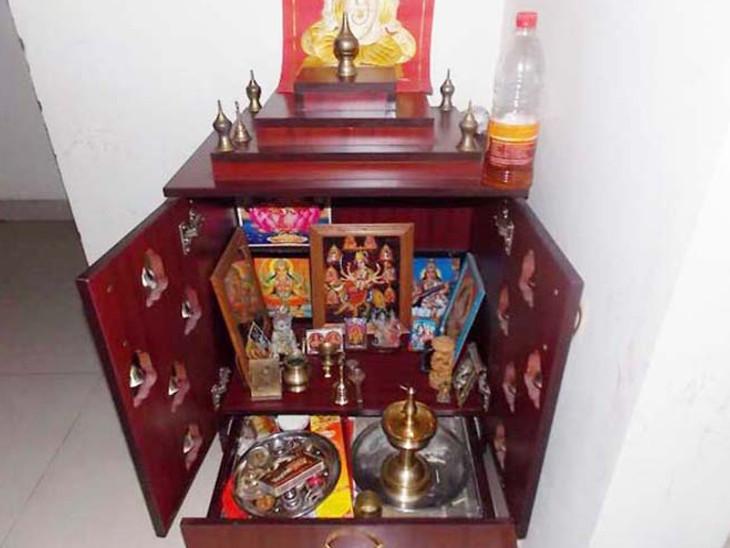 2 अप्रैल तक चैत्र मास की नवरात्रि, घर पर ही सरल स्टेप्स में कर सकते हैं देवी पूजा|धर्म,Dharm - Dainik Bhaskar