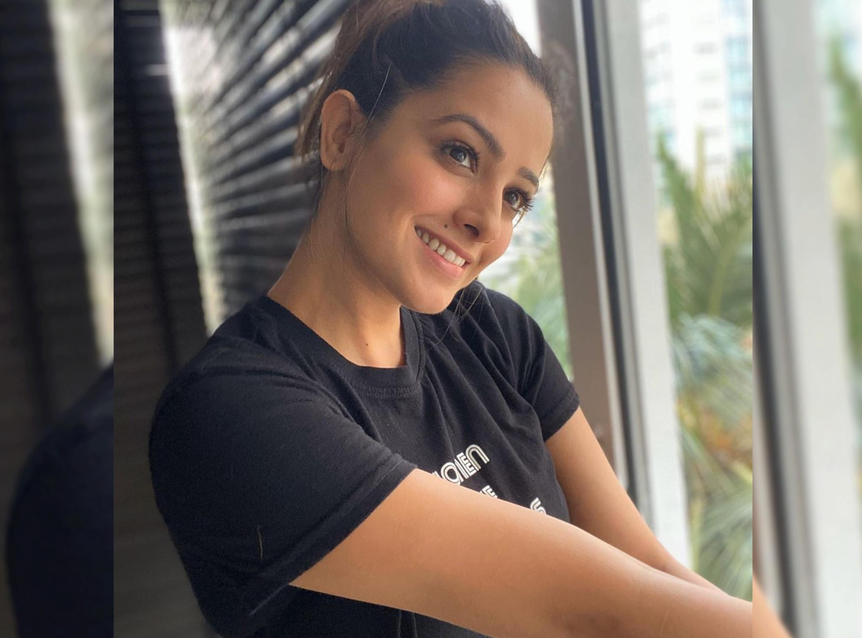 मजेदार हैं अनीता हसनंदानी के टिक-टॉक वीडियोज, कोरोनावायरस को भगाने के लिए लगा रही हैं नारे|टीवी,TV - Dainik Bhaskar