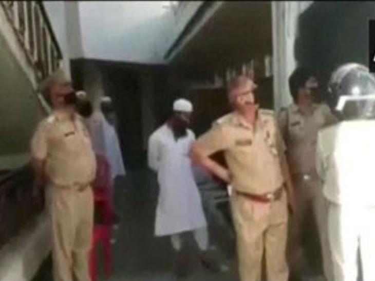 कानपुर में बाबू पुरवा स्थित मस्जिद से विदेशी जमातियों को पकड़ा गया।
