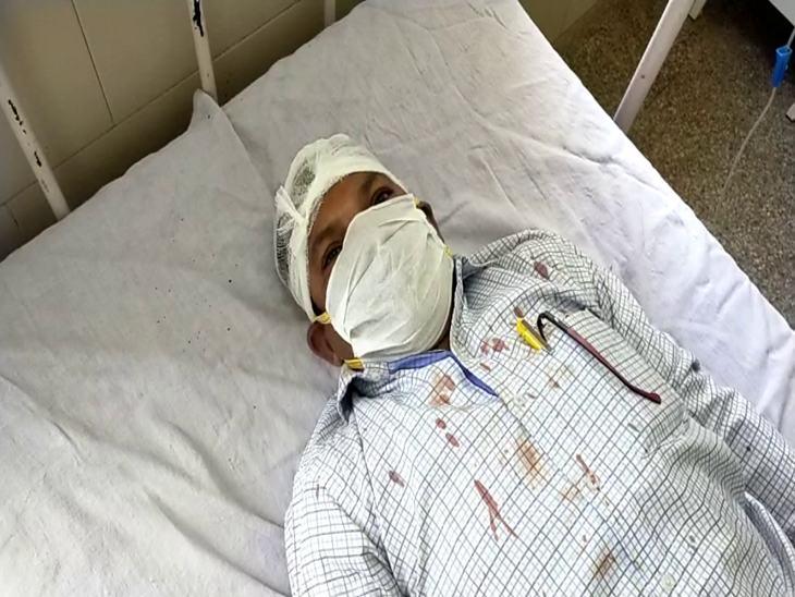 अधिकारी बोले- लगातार समझाने के बाद भी हमलावर मानने को तैयार नहीं था। - Dainik Bhaskar