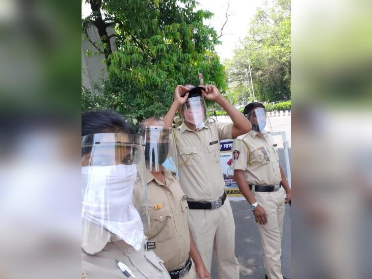 कोरोना से बचाव के लिए नांदेड़ पुलिस को इस तरह के स्पेशल फेस कवर दिए गए।