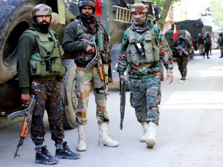 जम्मू-कश्मीर में कोरोना संक्रमितों को भेजकर संक्रमण फैलाने की तैयारी कर रहा पाकिस्तान, सेना और पुलिस सतर्क देश,National - Dainik Bhaskar