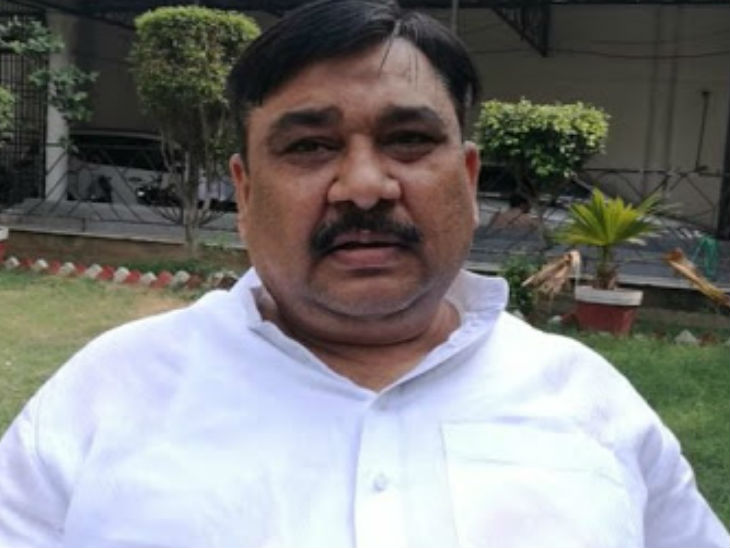 अलीगढ़ के पूर्व सपा विधायक बोले- कोरोना से लड़ाई में मीट खाने से आएगी ताकत, दुकानों का खुलना जरूरी उत्तरप्रदेश,Uttar Pradesh - Dainik Bhaskar