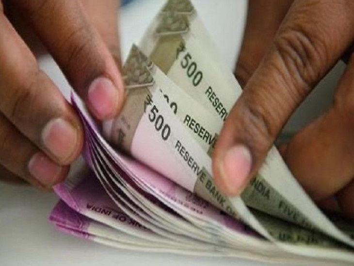कोरोना से लोगों के आर्थिक हालात हुए बदतर, लॉकडाउन में 8.2 लाख कर्मचारियों ने पीएफ फंड से निकाले 3,243.17 करोड़ रुपए बिजनेस,Business - Dainik Bhaskar