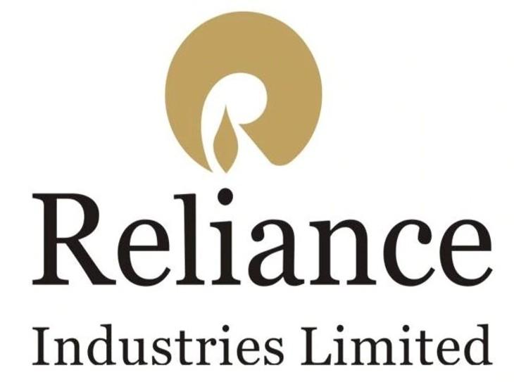 रिलायंस इंडस्ट्रीज ने वित्तीय वर्ष 2020-21की पहली तिमाही तक 104,000 करोड़ रुपए जुटाने का लक्ष्य रखा है। इसमें फेसबुक का निवेश, बीपी का निवेश और राइट्स इश्यू का समावेश होगा - Dainik Bhaskar